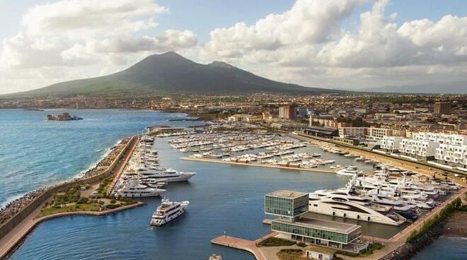 Castellammare: no alle case al porto turistico