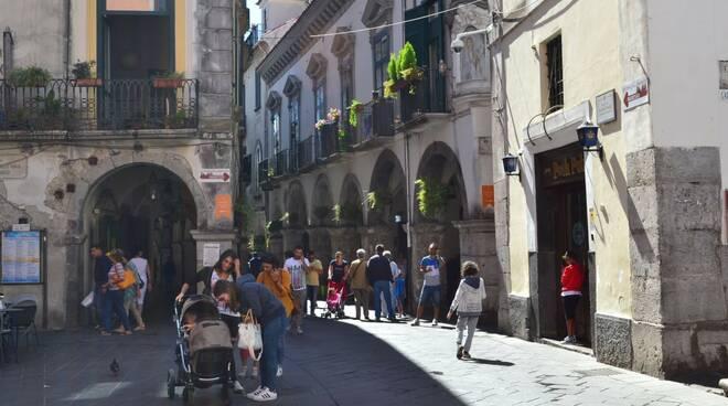 Cava de' Tirreni: bici e monopattini al bando in centro.