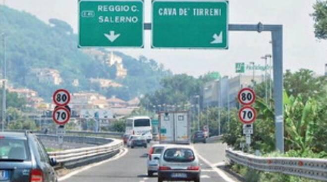 Cava de' Tirreni: pannelli in autostrada, la guerra dei 287