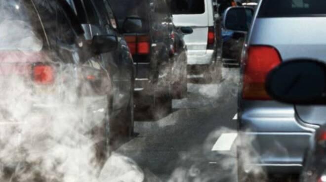 Cava de' Tirreni, troppo smog: «Serve un piano per tutelare l'aria»