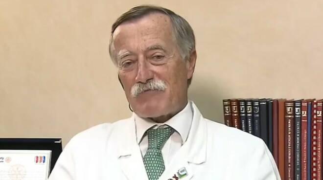 """Covid-19, l'infettivologo Massimo Andreoni sulla variante Delta: """"Vaccino non evita contagi ma riduce rischi gravi"""""""