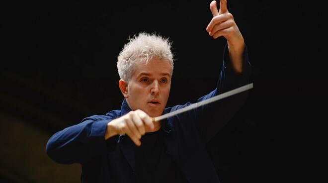 Dan Ettinger debutta al Ravello Festival alla guida dell'Orchestra del San Carlo