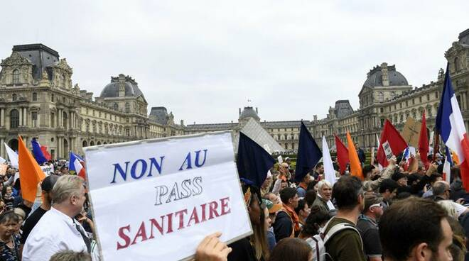 Francia Protesta contro il Green Pass