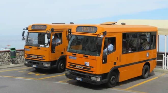 I sindaci di Capri ed Anacapri diffidano l'azienda di trasporto ATC e chiedono rispetto del norme anti-Covid
