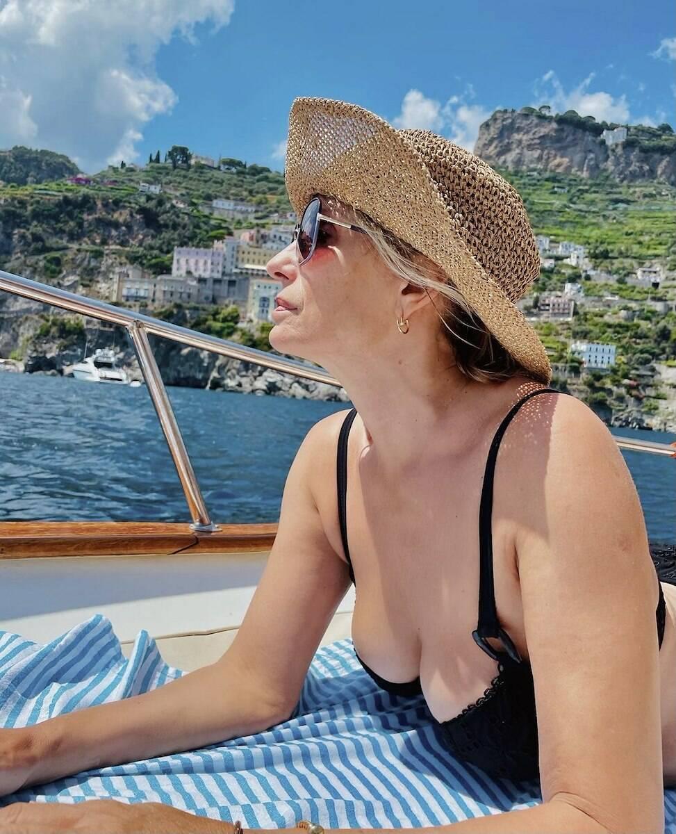 "Isabella Ferrari in Costa d'Amalfi:- ""Baci dal Paradiso"""