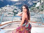 La giovane webstar Maryna si rilassa a Positano
