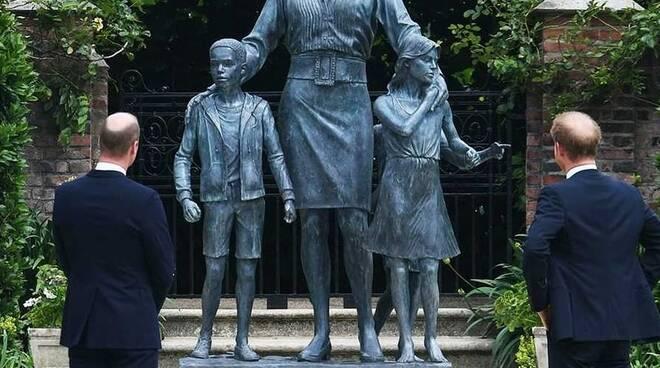 Lady D statua