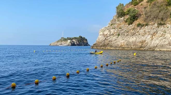 Massa Lubrense, all'Area Marina Protetta Punta Campanella fissate le boe dinanzi a Crapolla