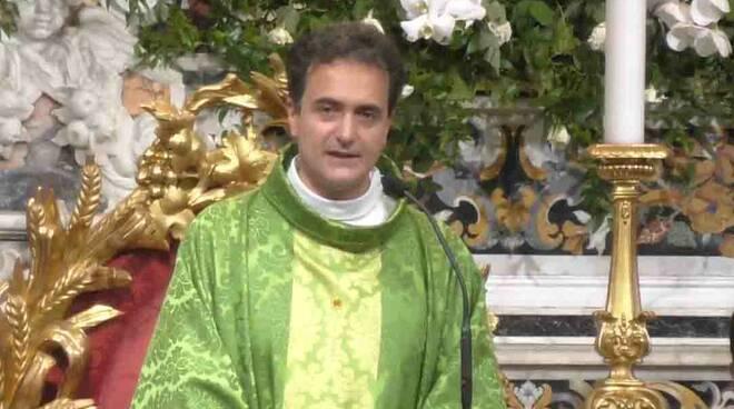 """Piano di Sorrento, Don Pasquale Irolla: """"Abbiamo bisogno di ripartire, di darci una nuova opportunità"""""""