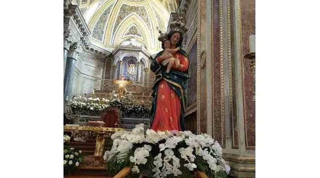 Piano di Sorrento, la Madonna delle Grazie della Marina di Cassano attende i fedeli nella Basilica di San Michele Arcangelo