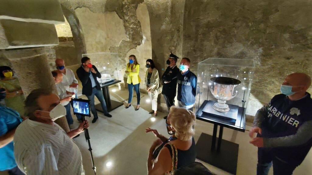 Positano, inaugurata la mostra dei reperti archeologici nella Cripta Inferiore della Chiesa Madr