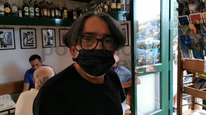 Positano, successo per la mostra di Luigi Collina dedicata ad Alan al Bar Internazionale