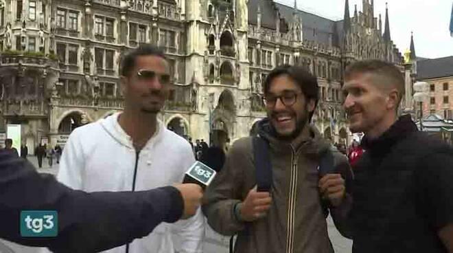 Positano, Vito Casola jr di Brunella intervistato da RAI 3 per la partita Italia-Belgio