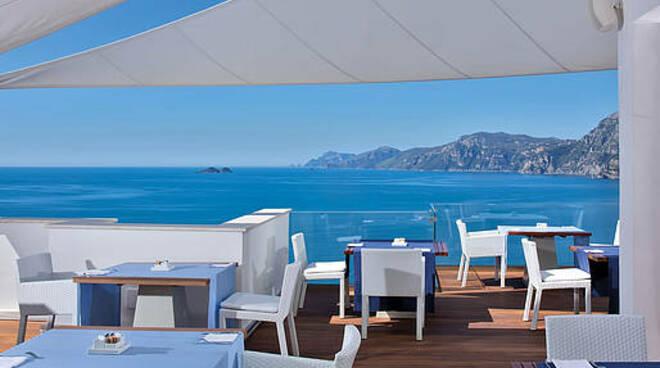 Praiano, l'incanto dell'hotel Casa Angelina per un pranzo od una cena da sogno