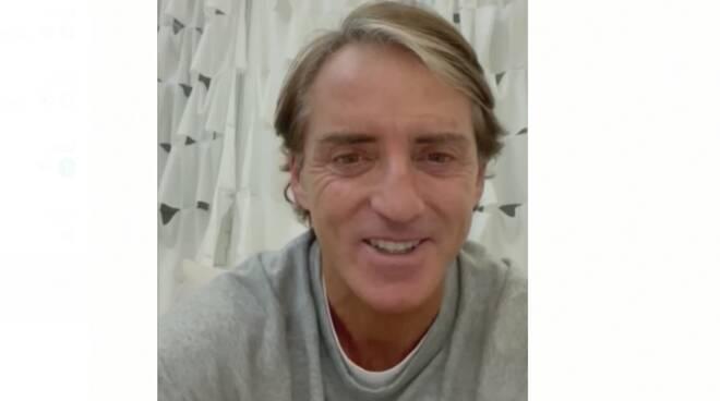 Roberto Mancini si prepara ai quarti con i dolci Cava de' Tirreni