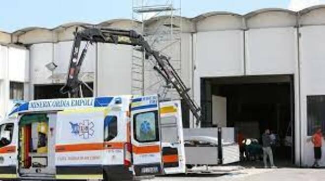 Salerno, operaio cade giù dal tetto, omicidio colposo?