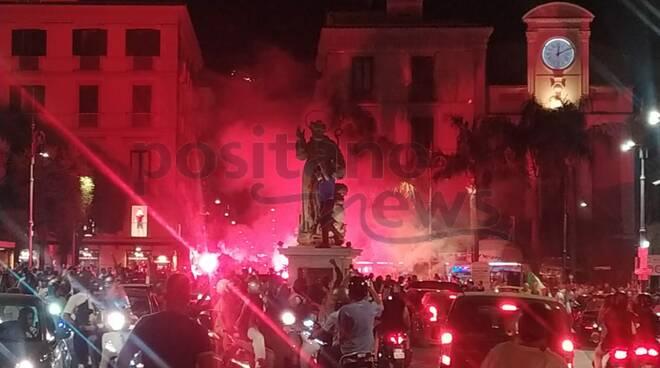 Sorrento, festeggiamenti: gioia infinita per le strade per l'Italia in finale