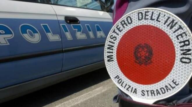 Sorrento, la Polstrada ferma due soggetti ritrovati in possesso di cocaina e marijuana