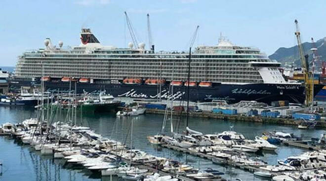 SOS al porto di Salerno: nave da crociera con positivo a bordo