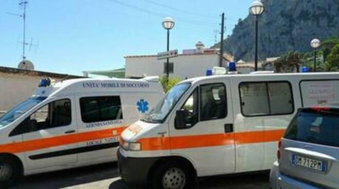A Capri ambulanze usate come taxi, la denuncia