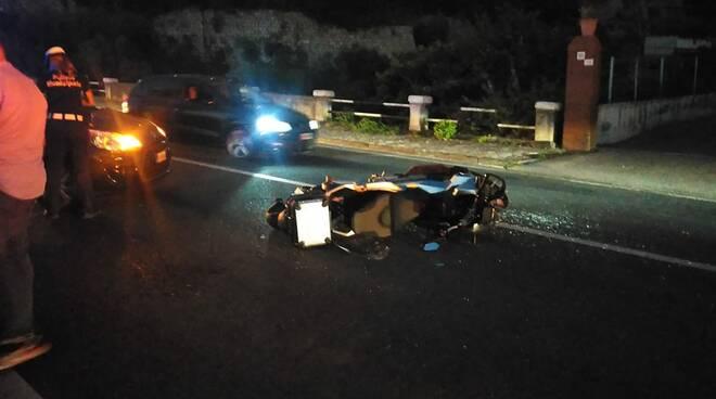 Auto contro ciclomotore incidente a Castellammare