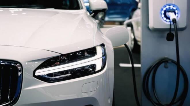 Auto. Da domani il via al nuovo ecobonus: rifinanziato per 350 milioni