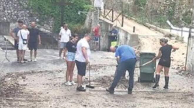 Cantieri eterni in Costiera Amalfitana: Minori ko per la frana a Ravello, ad Atrani: «Lavori a metà»