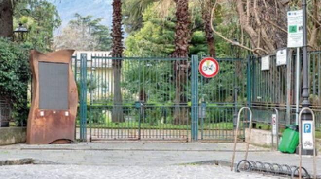 Cava de' Tirreni: Villa senza barriere, i cittadini dicono no