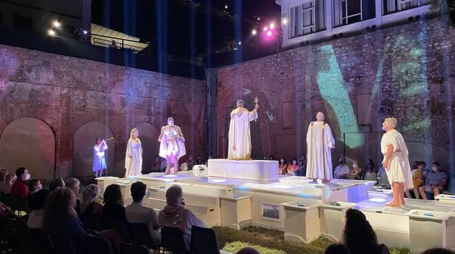 """GustaMinori 25esima edizione: la grande arte con """"Drama de Antiquis- Fantasite 5.0"""" e grandi attori come Anna Rita Vitolo de """"L'amica geniale"""""""