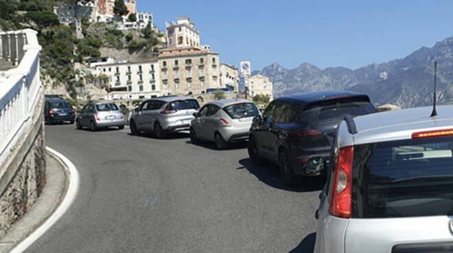 """Il presidente Abbac Ingenito e il delegato Costiera Amalfitana Della Pietra: """"Mobilità in Costiera Amalfitana, è il caos"""""""