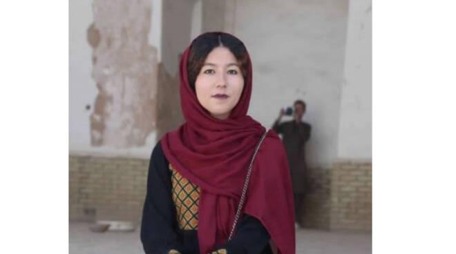 La straziante lettera di Fatima, la prima ed unica donna afghana a fare la guida turistica in quel paese