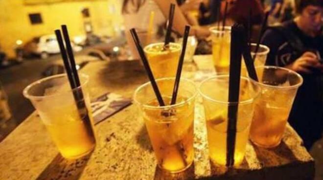 Lotta al Covid: continua la movida e il consumo di alcolici anche dopo le 22.00