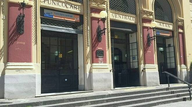 Napoli: trasporto su ferro senza corse notturne. Penalizzati i residenti ma anche i turisti tornati in città