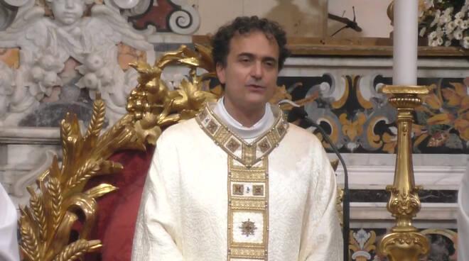 """Piano di Sorrento, Don Pasquale Irolla: """"L'Assunta è l'invito rivolto ad ogni uomo e ad ogni donna a guardare verso l'alto"""""""