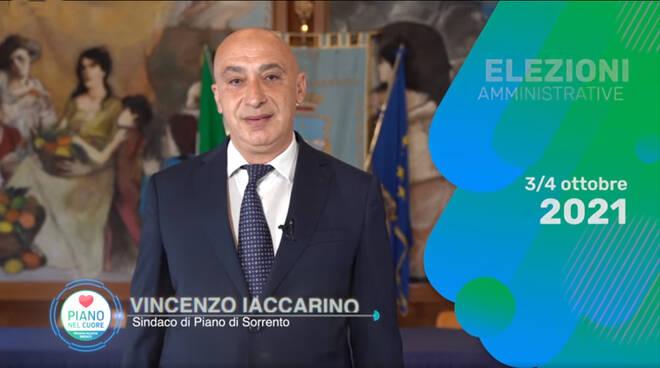 Piano di Sorrento, il sindaco Vincenzo Iaccarino annuncia in un video la sua ricandidatura