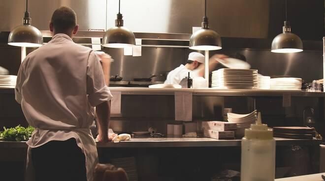Più di 100 intossicati in un hotel di Ischia: sospetto in cucina