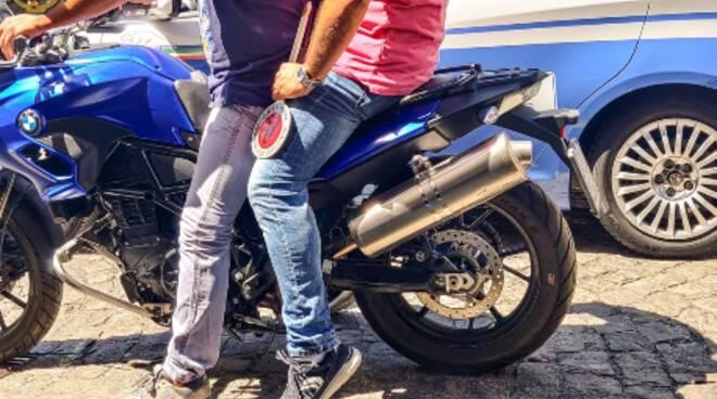 Polizia: arrestato pusher salernitano a viale Lungomare Trieste