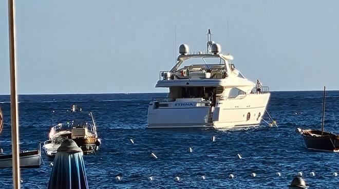 Positano: arriva Ethna il maxi-yacht dalle open-view