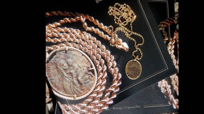 Positano: ecco la collana che Daniele Esposito ha regalato alla Madonna