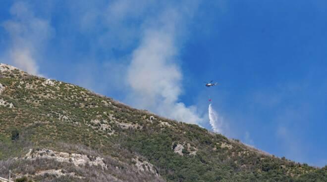 positano elicottero antincendio