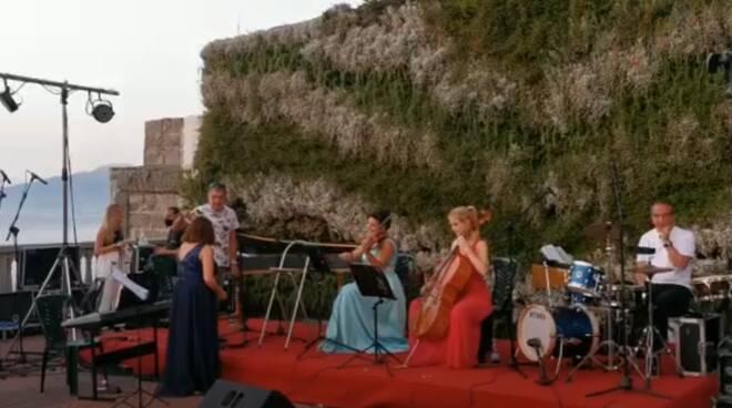 Sant'Agnello/Positano: il meraviglioso concerto con Giusy Celentano e Marianna Meroni