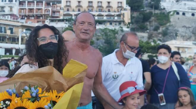 Savatore Cimmino a Positano Giro d' Italia a Nuoto contro ogni barriera in diretta su #positanonews