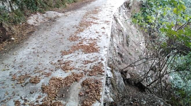 Uno di problemi della penisola Sorrentina ? Il degrado di via vecchia Lavinola