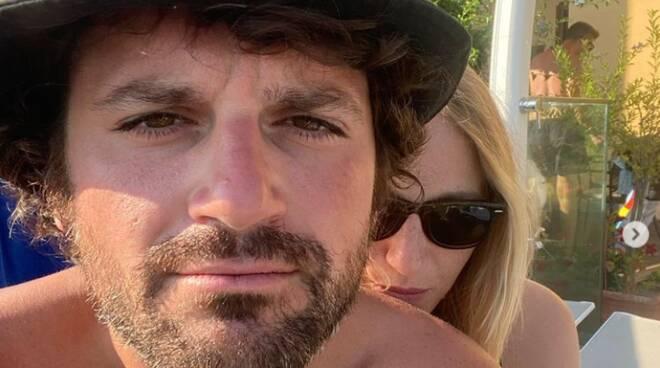 Vacanze da Vip in Costiera Amalfitana: il comico Frank Matano e la fidanzata Ylenia Azzurretti a Positano