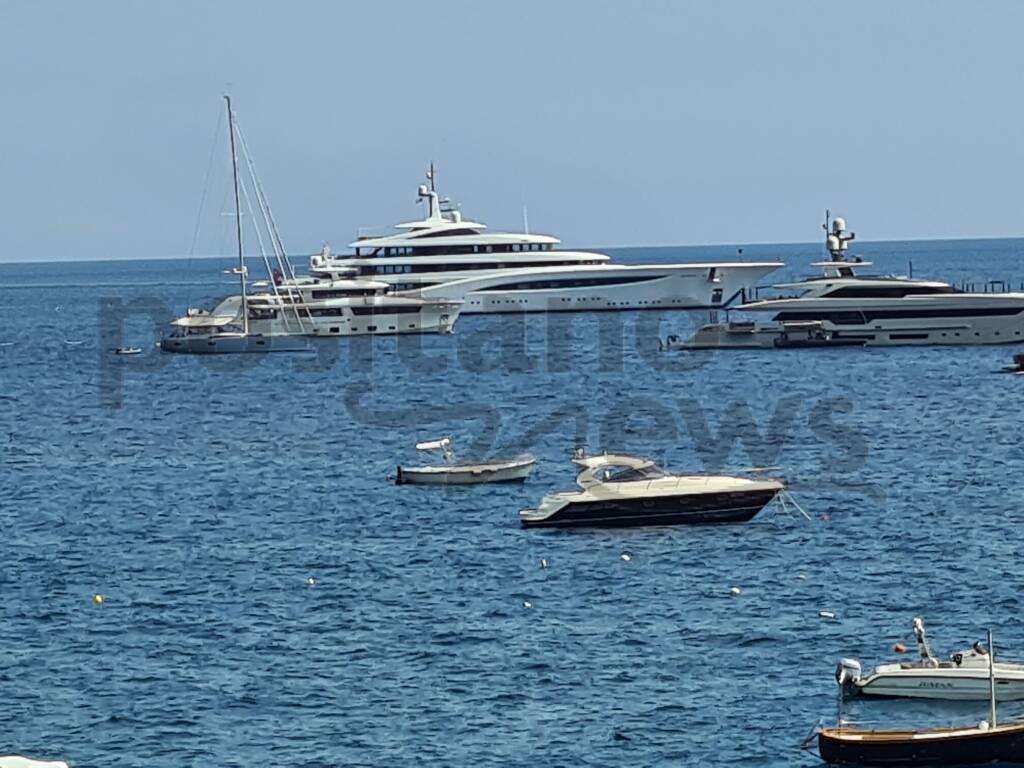 yacht Andromeda positano