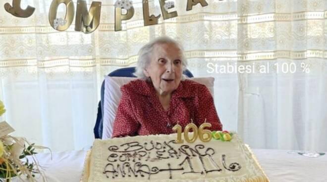 106 anni nonna Anna castellammare