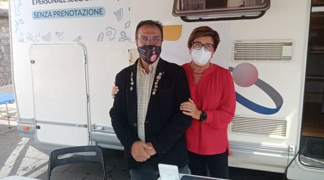 ASL Salerno: ieri mattina il tour del camper al Comune di Sanza per vaccinare con successo e senza prenotazione  Genitori, Docenti e Personale Scolastico