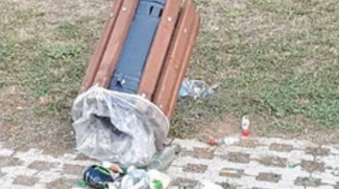 Cava de' Tirreni, villa Comunale: una petizione per chiuderla