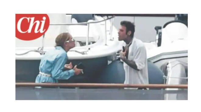 Diventa virale la foto della lite tra Chiara Ferragni e Fedez durante la vacanza in costiera amalfitana