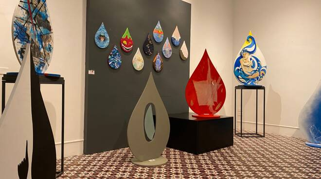 """""""Gocce d'Acqua"""": le opere di 56 artisti hanno conquistato Sorrento"""
